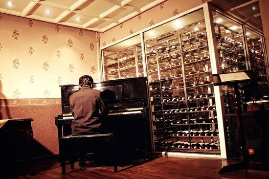 Vino Bar : Vino Classic Piano