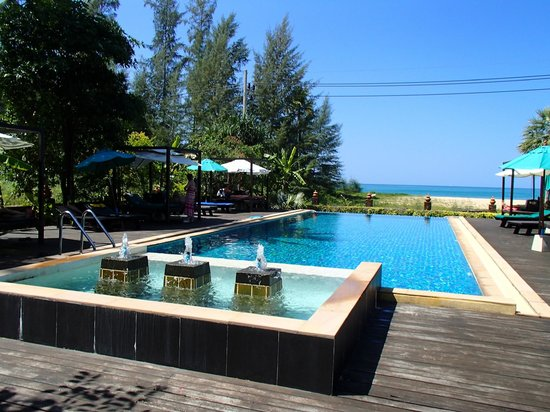 Khaolak Orchid Beach Resort:                   Adults only pool