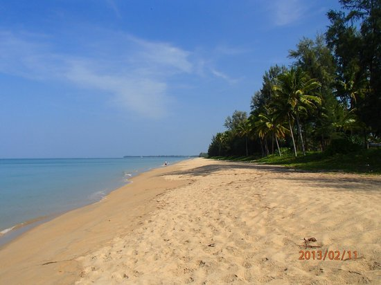 "Khaolak Orchid Beach Resort:                   The ""busy"" beach!"