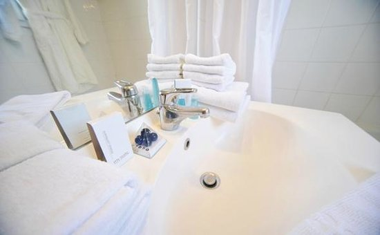 Appart'City Dijon Ahuy : Park&Suites Confort Dijon Ahuy - Bathroom