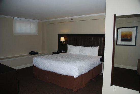 Magnolia Hotel Omaha:                   2 room suite