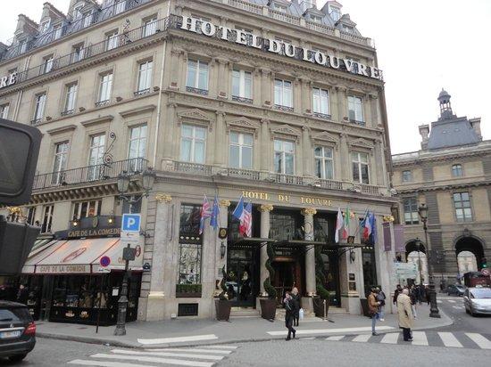 Hotel du Louvre:                                     Fine location