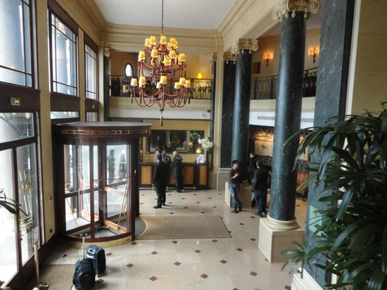 Hotel du Louvre:                                     Entrance hall
