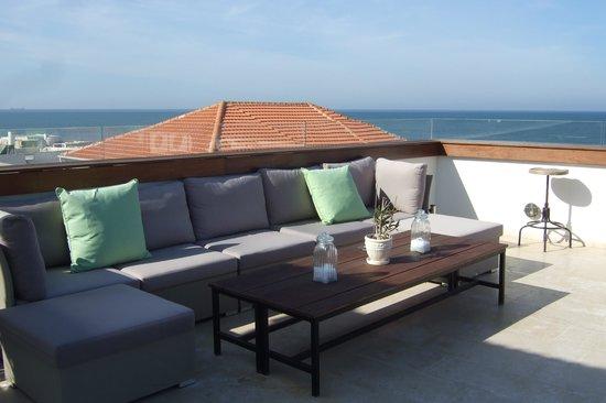 Efendi Hotel :                   Rooftop Ocean view lounge
