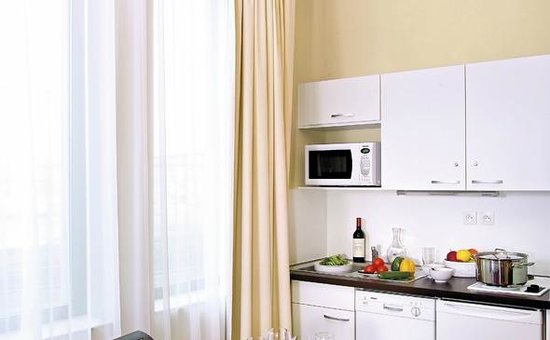 Appart'City Confort Lyon Part-Dieu: Park&Suites Prestige Lyon Part Dieu - Kitchen Corner