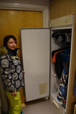 Lapland Hotel Sirkantahti: Sèche vêtements a l'entrée