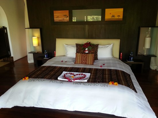 Ngerende Island Lodge:                   honeymoon suite