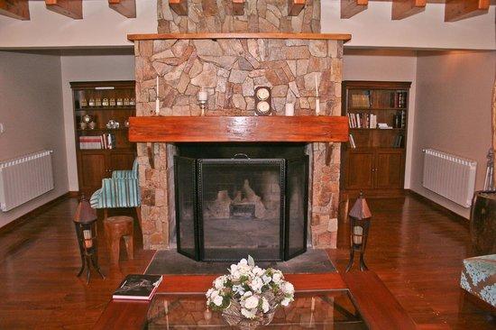 Sendero Lodge: Living