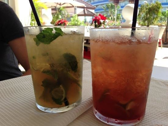 Restaurante Mamma Mia:                   killer drinks!