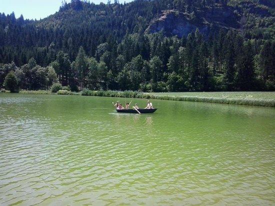 Ferien am Talhof:                   Talhof - prive meer voor uren zwemplezier