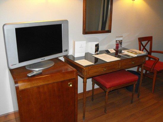 Hotel Conde Luna: ESCRITORIO