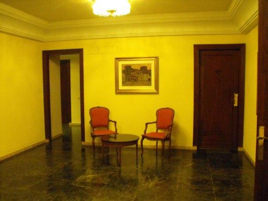 Hotel Conde Luna: UN HOLL