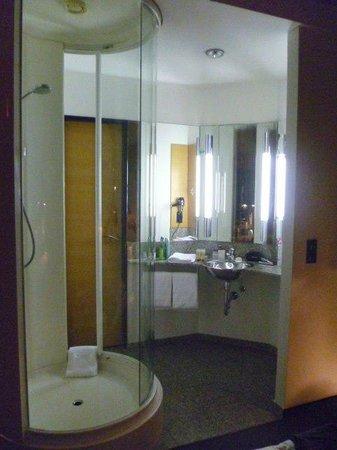 Innside Premium Hotels Berlin:                   BAGNO