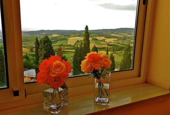 Hotel Tuder: Vista dal Ristorante