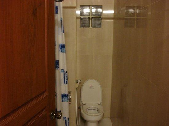 Viva Hotel :                   トイレもきれい