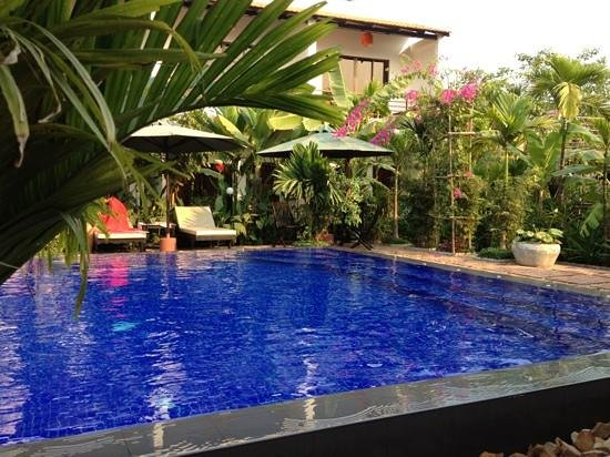 La Niche d'Angkor Boutique Hotel: pool side