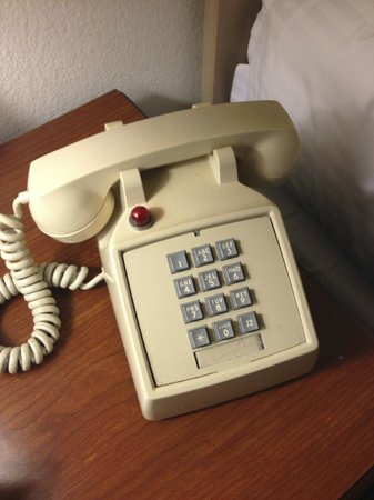 La Jolla Cove Hotel & Suites:                   Retro phone :)