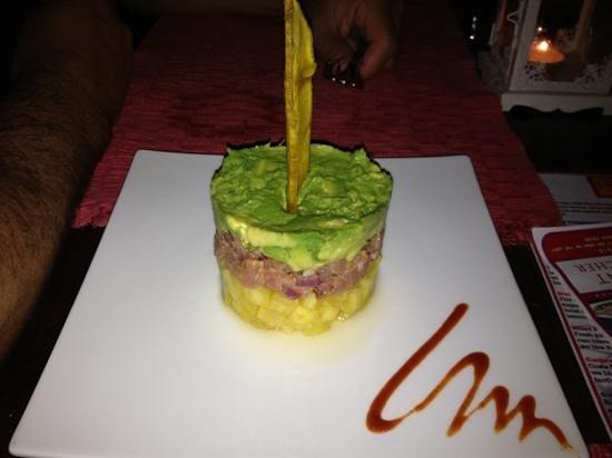 The Papaya Lounge Restaurant:                   Tapas de atúm com abacaxi e abacate!!! Delicioso!!!
