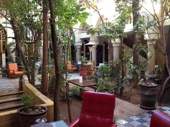 Riad Malika:                   le patio