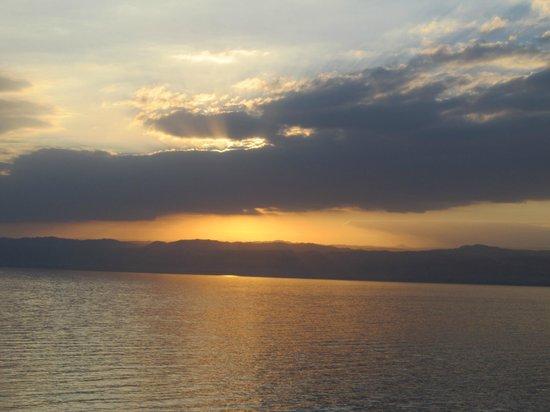 Kempinski Hotel Ishtar Dead Sea:                   08