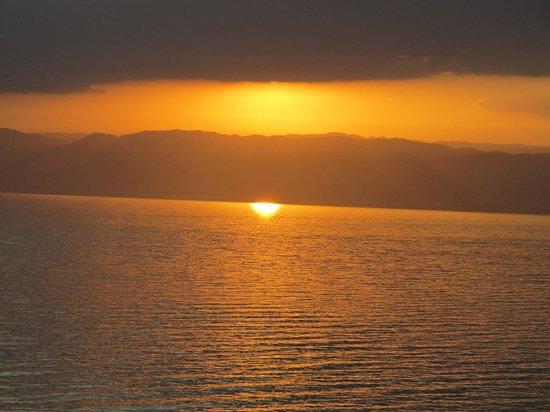 Kempinski Hotel Ishtar Dead Sea:                   09