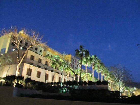 Kempinski Hotel Ishtar Dead Sea:                   02