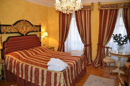 Alchymist Grand Hotel & Spa:                   Chambre très confortable et spacieuse                 