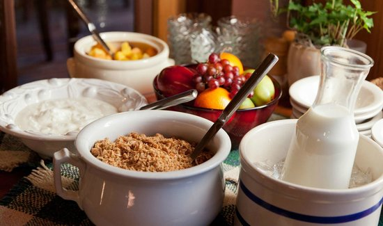 The Inn & Spa at Cedar Falls: Homemade granola