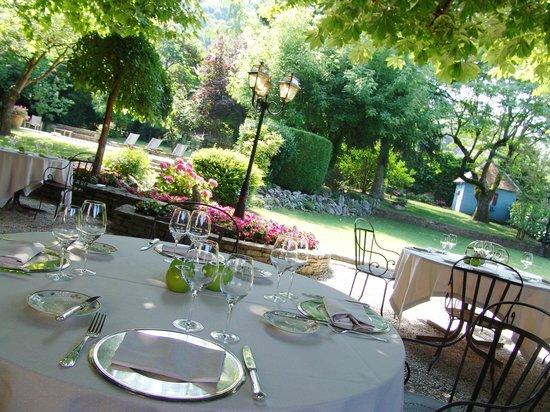 Terrasse du restaurant dans le jardin foto di chavant bresson tripadvisor - Restaurant terrasse jardin grenoble mulhouse ...