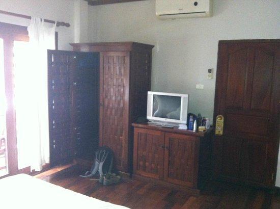 Inthira Vang Vieng:                   room
