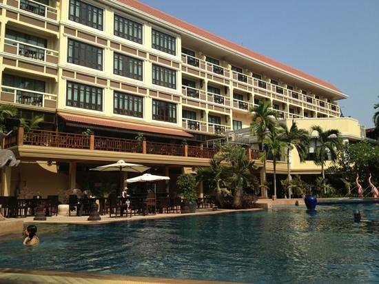 Prince D'Angkor Hotel & Spa:                   swimming pool