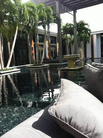 The Setai:                   Dining area - Breakfast and Bar
