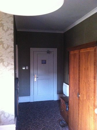 BEST WESTERN Motherwell Centre Moorings Hotel:                   room hallway