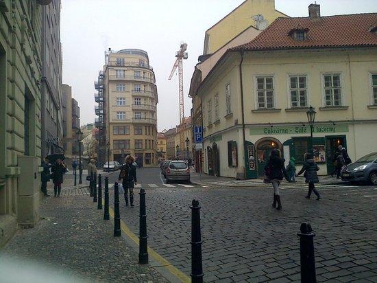 Design Hotel Josef Prague:                   La zona que rodea el hotel
