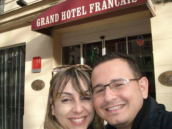 Grand Hotel Francais:                   Na Frente do Hotel!!