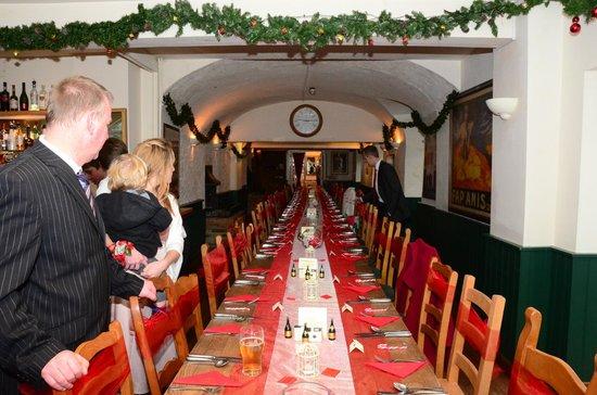 Vale of the White Horse Inn:                   THIS THE GARDEN ROOM