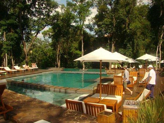 Loi Suites Iguazu: Pool Morning