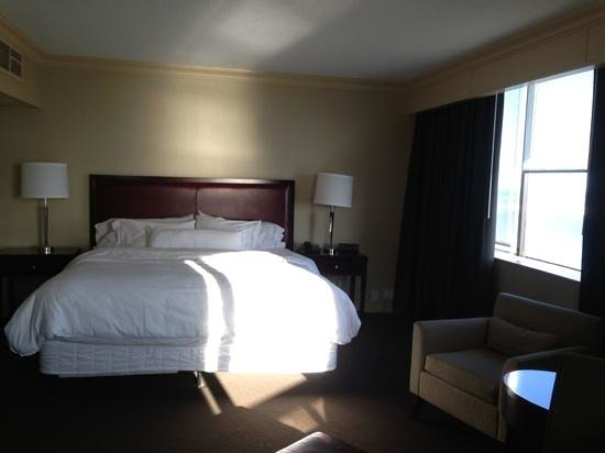 The Westin Harbour Castle:                   very comfortable king size bed