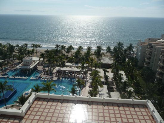 Hotel Riu Palace Pacifico: Sun and ocean as far as you can see