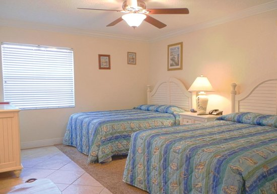 Far Horizons Motel: Bedroom area