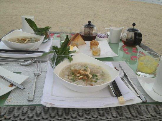Fusion Maia Da Nang:                   Vietnamese breakfast Chicken Pho