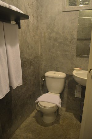 99 Oldtown Boutique Guesthouse: Bathroom toilet