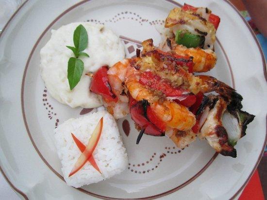Restaurant El Arrayan:                   Beef, chicken and shrimp brochettes