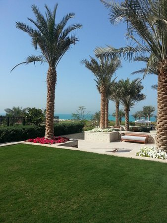 The St. Regis Saadiyat Island Resort:                   Espace détente
