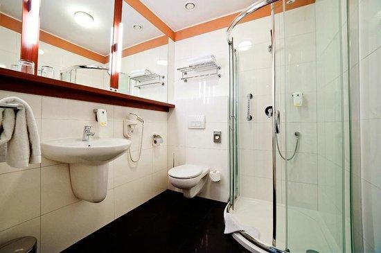 Best Western Plus Ferdynand Hotel : Bathroom