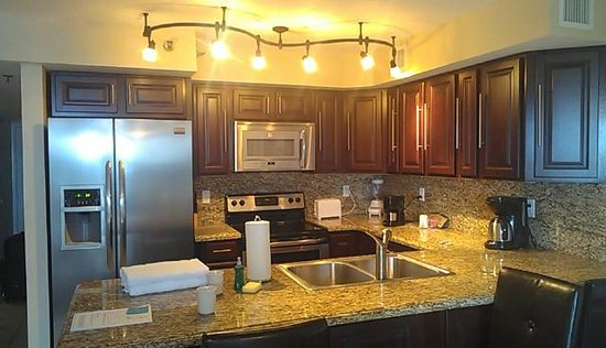 Ocean Pointe Suites at Key Largo:                   kitchen