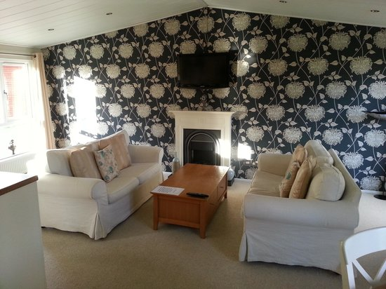 Bluewood Lodges:                                     living room