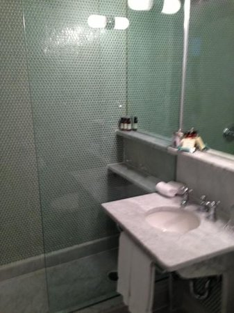 The Maritime Hotel:                   bath