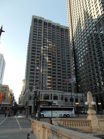 Renaissance Chicago Downtown Hotel:                   THE HOTEL FROM ACROSS THE RIVER