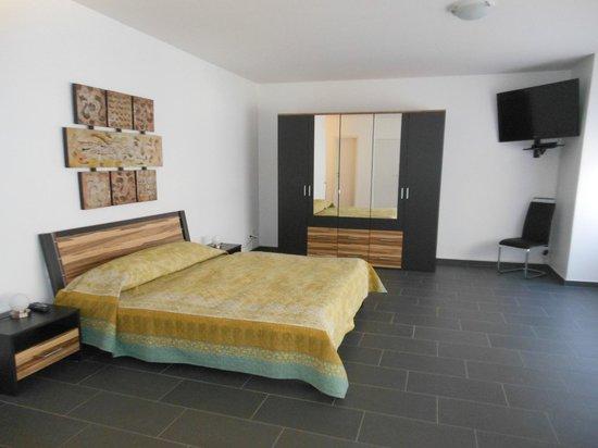 Hotel Dell'Angelo:                   Das Schlafzimmer in der Wohnung